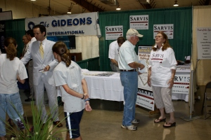 Robert Sarvis greeting fairgoers.